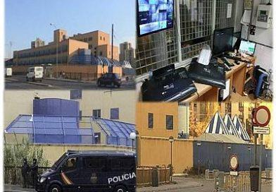 Motín y Fuga de 16 internos del CIE de Aluche