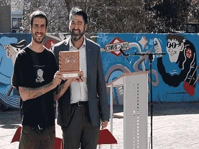 'Gracias Muelle', obra ganadora del II Certamen de Arte Urbano 'Muelle'