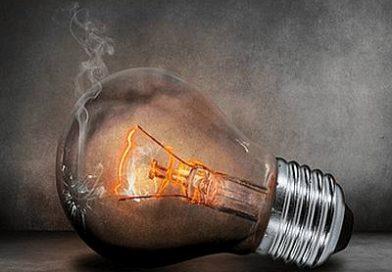 En abril la subida interanual es de más de 5 euros en el recibo de la luz del usuario medio