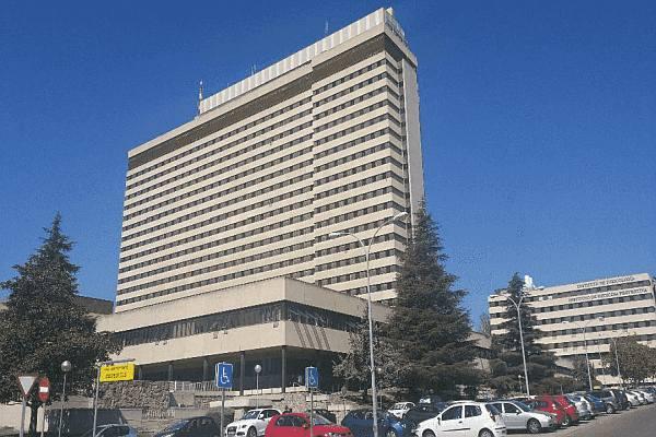 edificio-especialistas-gomez-ulla