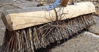 Demandan la modificación urgente de los contratos de limpieza y zonas verdes