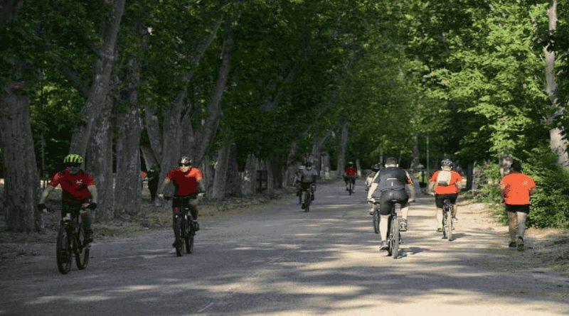 pedaleandoporlacasadecampo